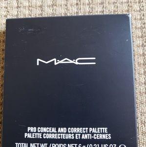 MAC concealer palate